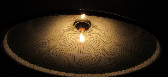 Jak Vám Při Indoor Pěstování Pomohou Reflektory Alias Stínidla?