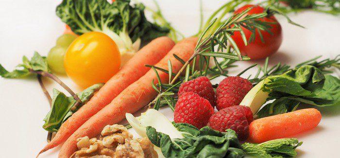 Propadněte I Vy Fenoménu Raw Food S čerstvými Bylinkami A Zeleninou